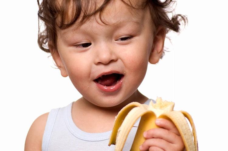 تغذیه مناسب کودک نوپا