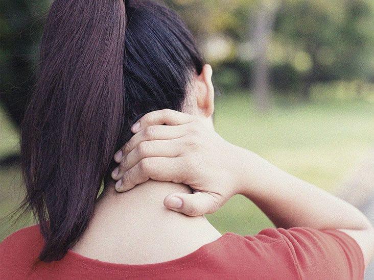 روش های مفید برای کشش گردن و شانه